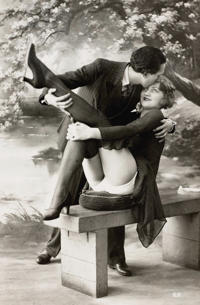 Черно белый фильм эротика, супруга любит фотографировать на пляже