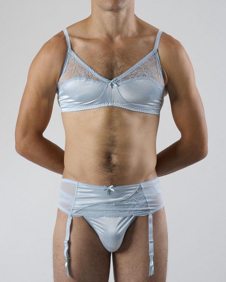 Фото людей в женском белье