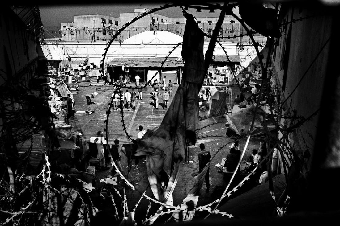 Секс в тюремных решетках