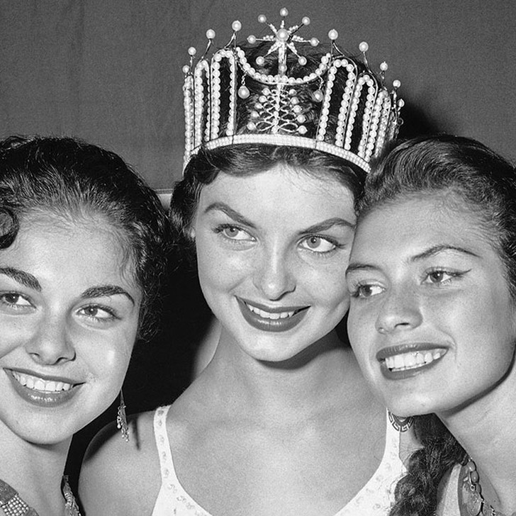 MissUniverse06 All winners of the Miss Universe: how beauty ideals have changed in 60 years