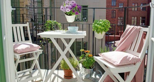 Как превратить маленький балкон в райское местечко: 7 полезных советов и 30 очаровательных примеров