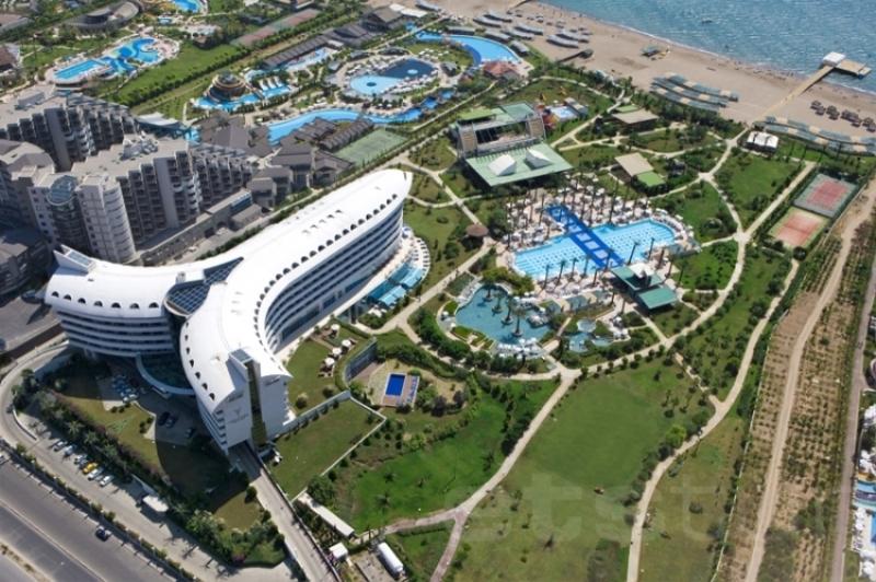 6Concorde Deluxe Resort-2