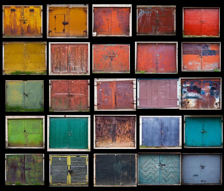Фотограф Агне Гинталайте сняла самые яркие двери гаражей в Литве