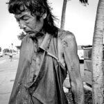 Фотограф десять лет снимала бездомных, а потом среди них встретила своего отца