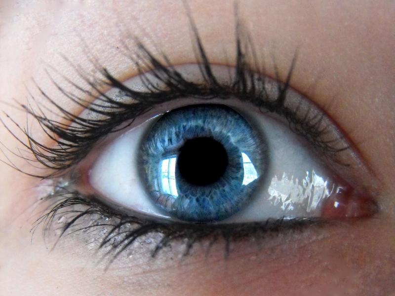 Тяжёлые зрительные галлюцинации или синдром Шарля Бонне