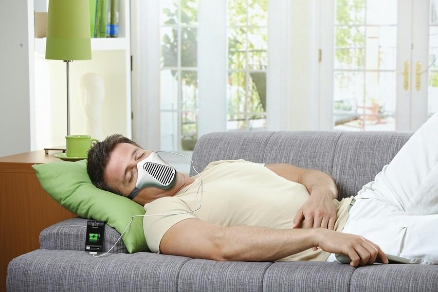 Необычная маска – зарядное устройство