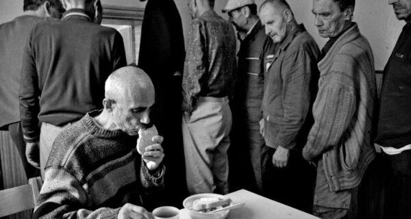 Шокирующие работы украинского фотографа, жившего в психиатрической лечебнице