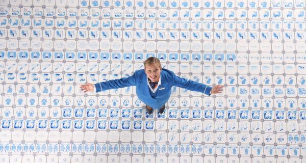 Новый ролик KLM о правилах безопасности полностью сделан из фарфора