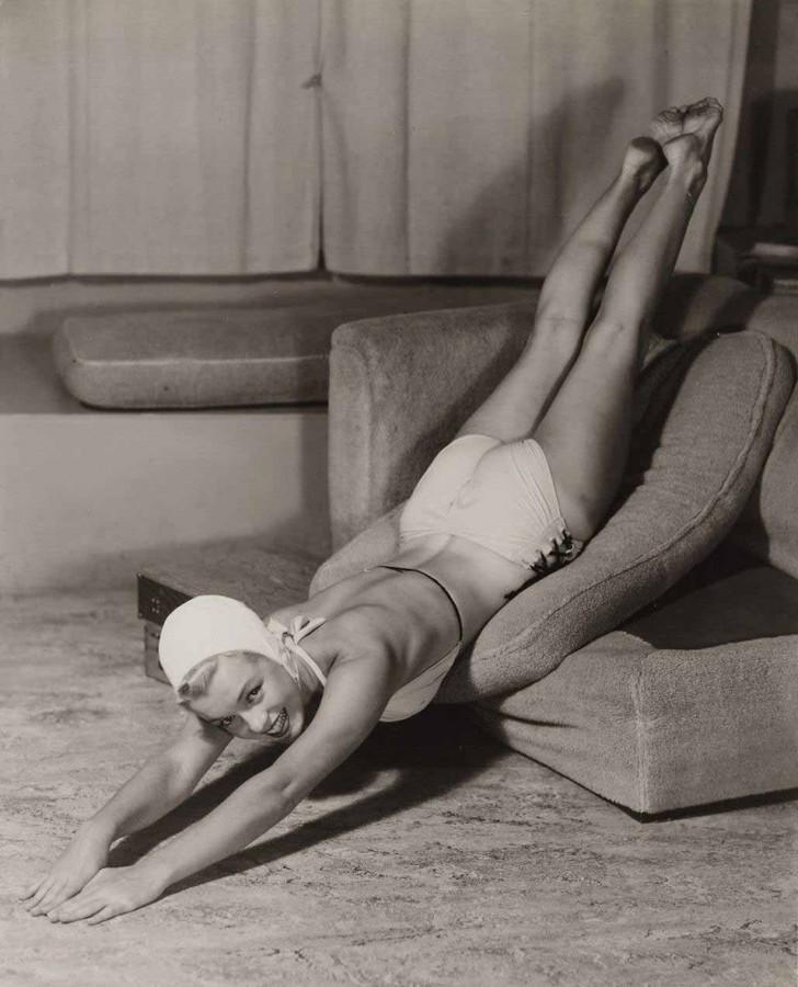 MarilynMonroe02 - 18 редких эротических фотографий Мэрилин Монро в самом начале ее карьеры