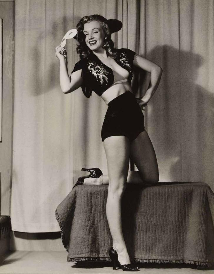 MarilynMonroe08 - 18 редких эротических фотографий Мэрилин Монро в самом начале ее карьеры