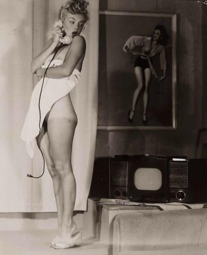 MarilynMonroe09 - 18 редких эротических фотографий Мэрилин Монро в самом начале ее карьеры