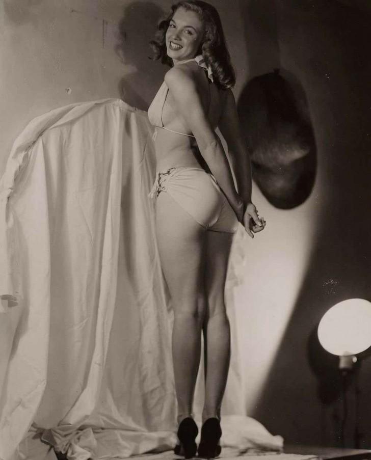 MarilynMonroe10 - 18 редких эротических фотографий Мэрилин Монро в самом начале ее карьеры