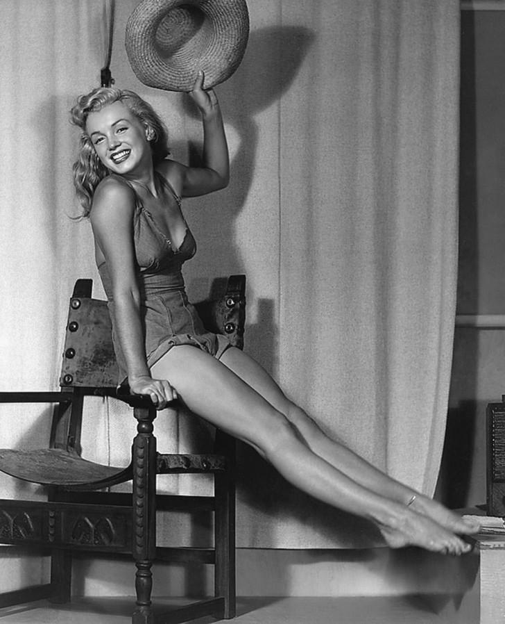 MarilynMonroe11 - 18 редких эротических фотографий Мэрилин Монро в самом начале ее карьеры
