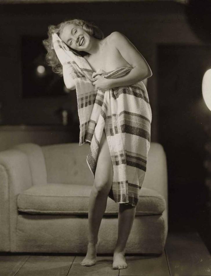 MarilynMonroe15 - 18 редких эротических фотографий Мэрилин Монро в самом начале ее карьеры