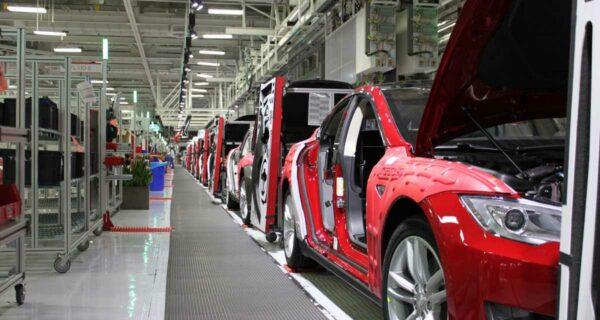 Экскурсия на завод, где Tesla собирает свою новую ModelX