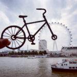 Британский фотограф видоизменяет известные достопримечательности с помощью бумаги и ножниц