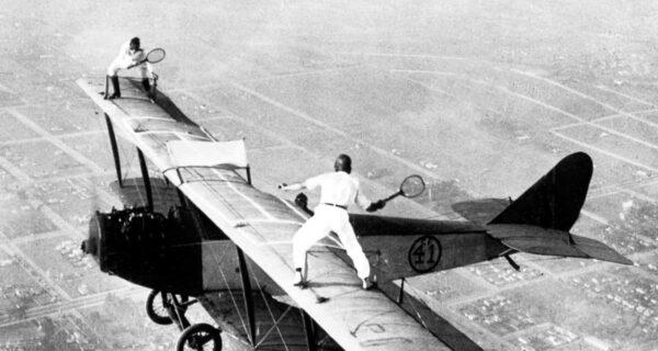 1919–1982 годы: главное — не смотреть вниз, или Ходоки по крыльям самолетов