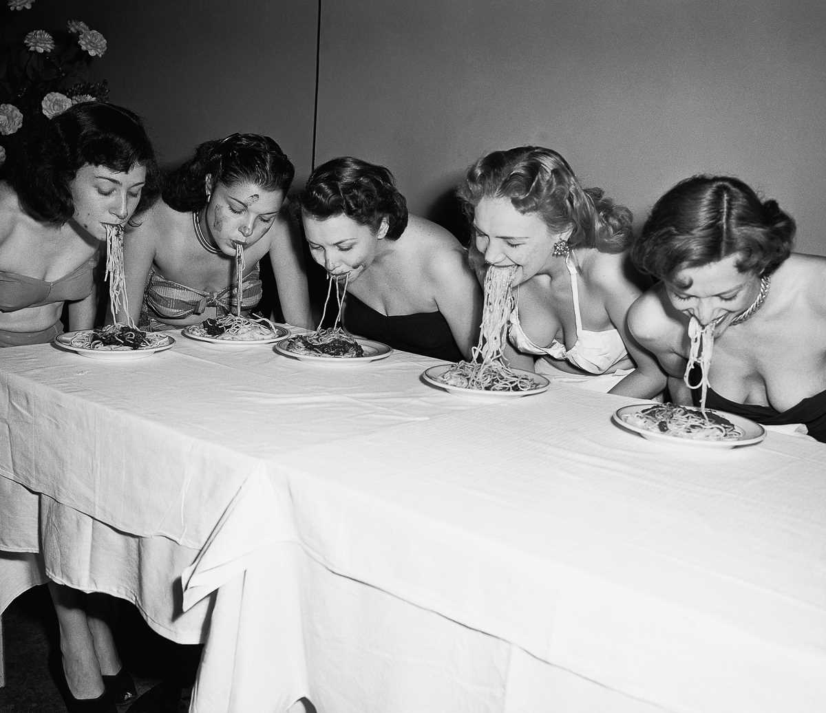 конкурсы по скоростному поеданию пищи