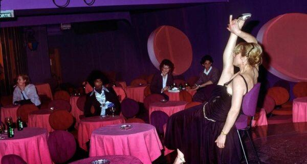 Стрип-клубы района Пигаль — злачное дно Парижа 70‑х