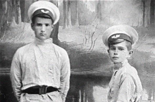 Школьная форма в России: от царских указов до полной анархии