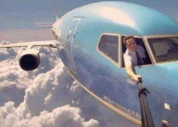 К чёрту полёт и пассажиров! У меня же есть селфи-палка!