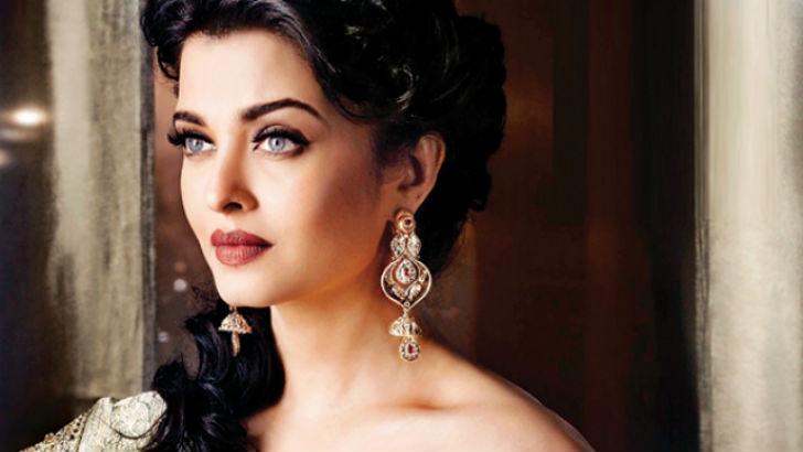 Самий сексуалний индийски актриса