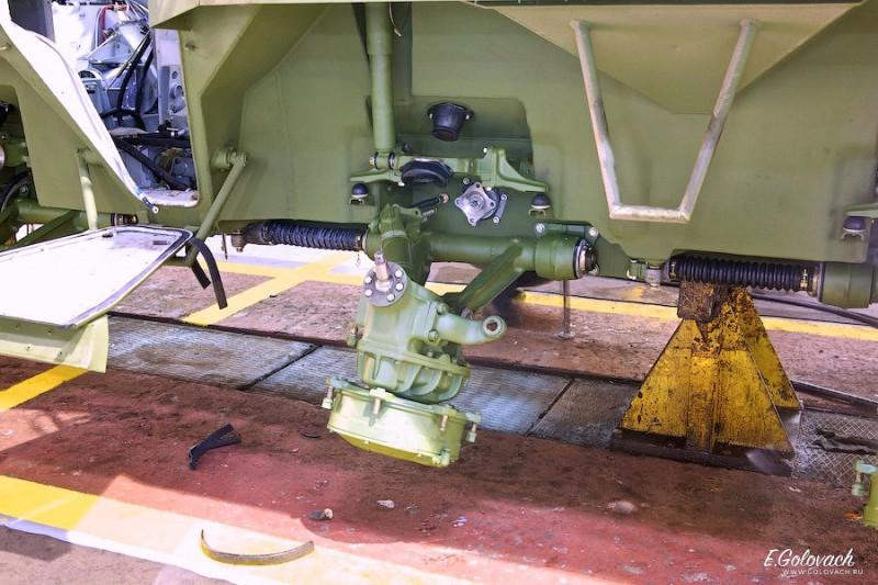 Голые кузова, заводчане говорят «гондола», приезжают из недалёкой Выксы. Уже сваренным, окрашенными и частью проводки и механизации подвески.