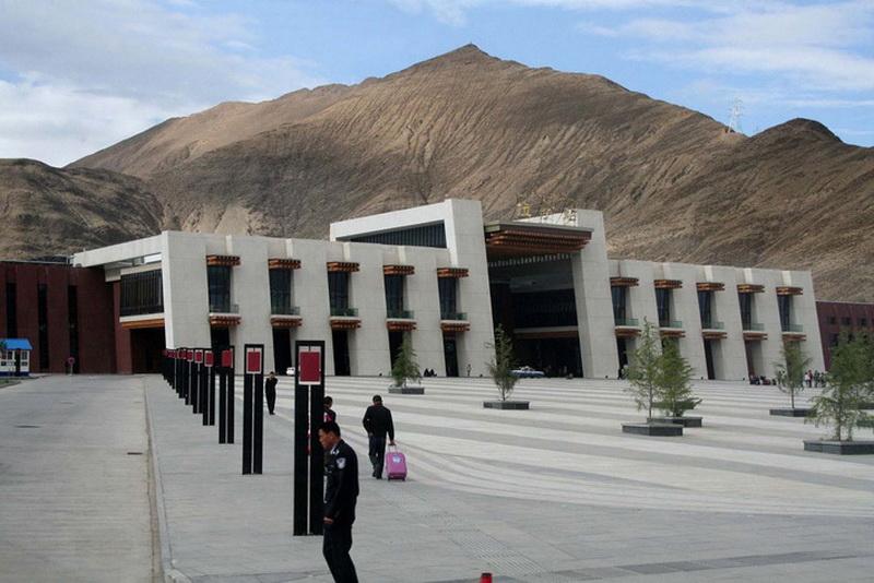 Конечный терминал в Лхасе.