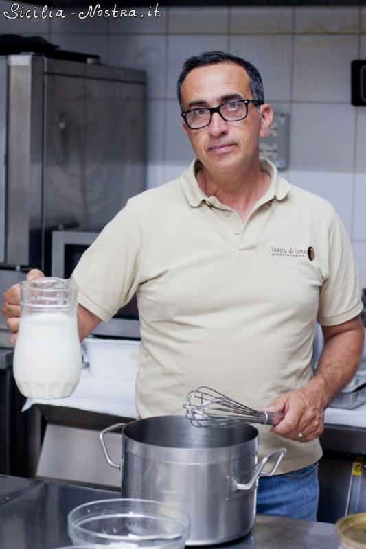 Берем литр молока