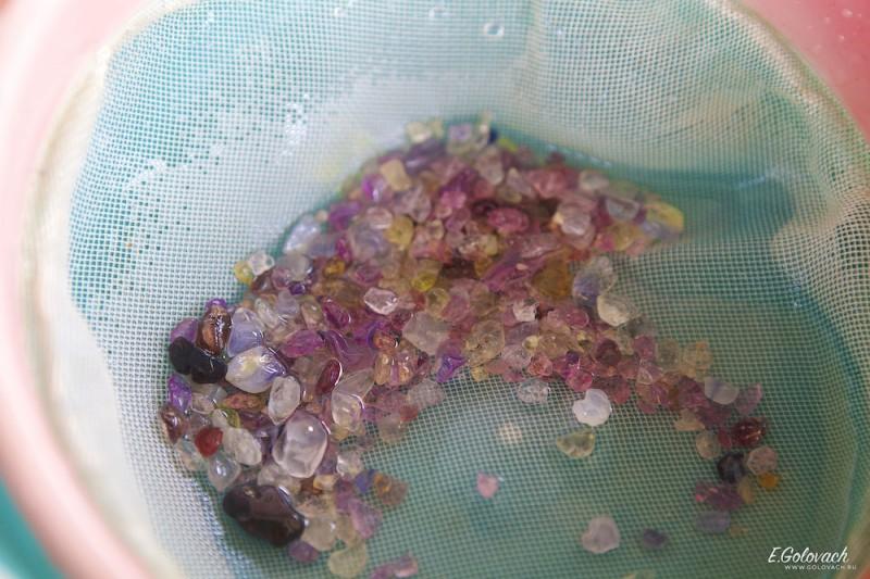 Собственно вот так, выглядят камни, после промывки «специальными растворами».