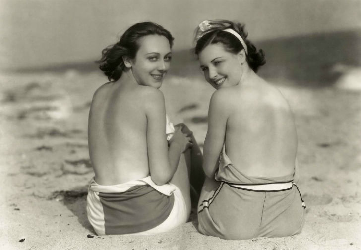 Ann Dvorak and Raquel Torres 1930'