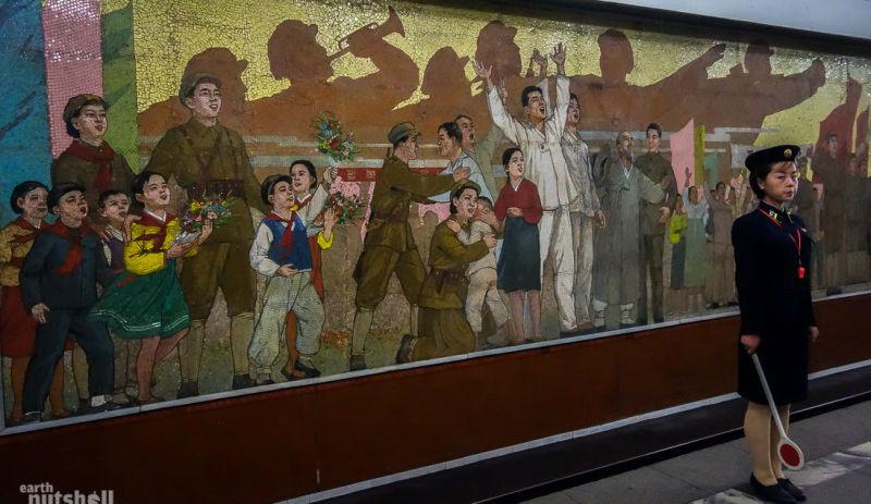 28-pyongyang-metro-celebration-mural-kaeson1-800x533