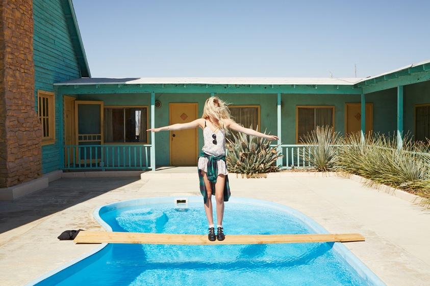 Девчонки, пляжи, Instagram: прославленный фотограф делится секретами популярности в соцсетях