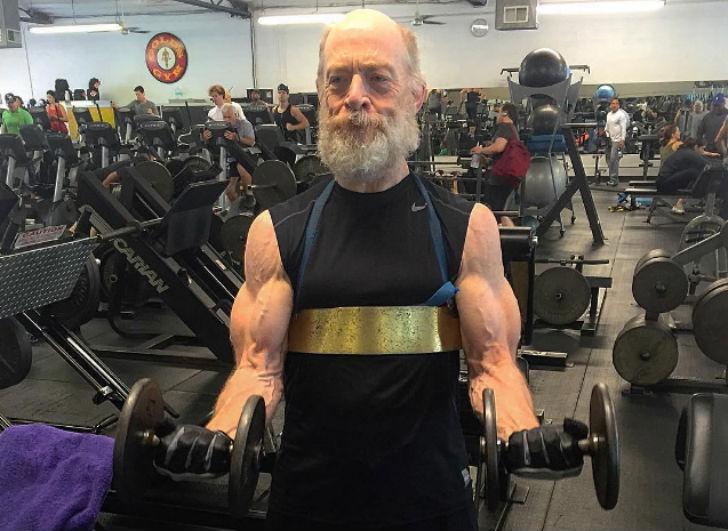 61 летний актер
