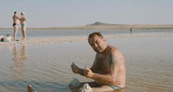 Соль земли: как озеро в Астраханской области становится локальной туристической Меккой