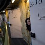 Беженцев в Нидерландах встречают с распростертыми объятиями… и селят в тюрьму