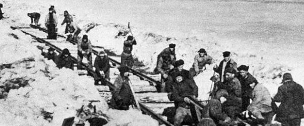 Вагончик не тронется, перронов не осталось: сталинская дорога смерти в Заполярье