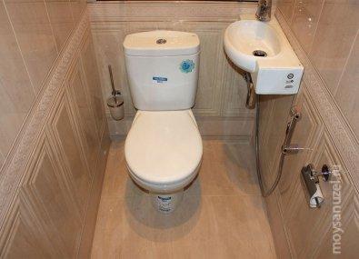 преимущества использования дорогих материалов при ремонте туалетной комнаты