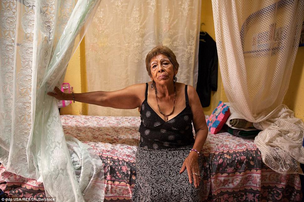 Почему русские считают проститутками