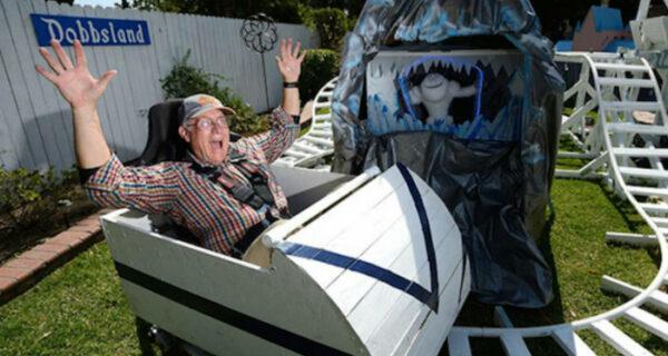 Дедушка-инженер построил для внуков парк развлечений на заднем дворе
