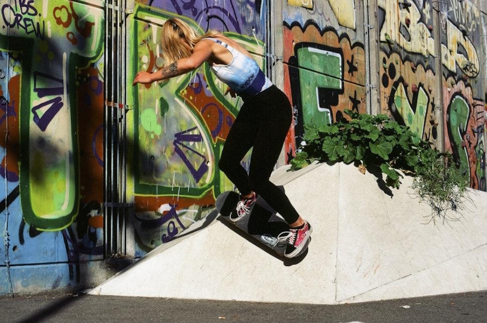 head-970-skate-girls