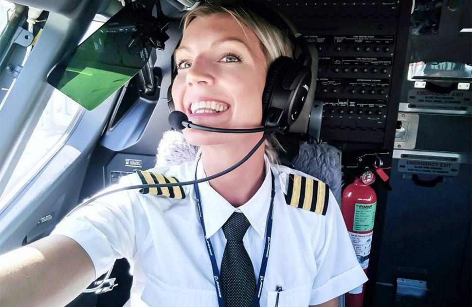 Обаятельная и привлекательная пилот Ryanair влюбила в себя пользователей Instagram