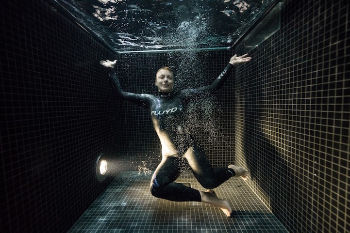 Как выглядят люди после прыжка в бассейн с ледяной водой. Фото