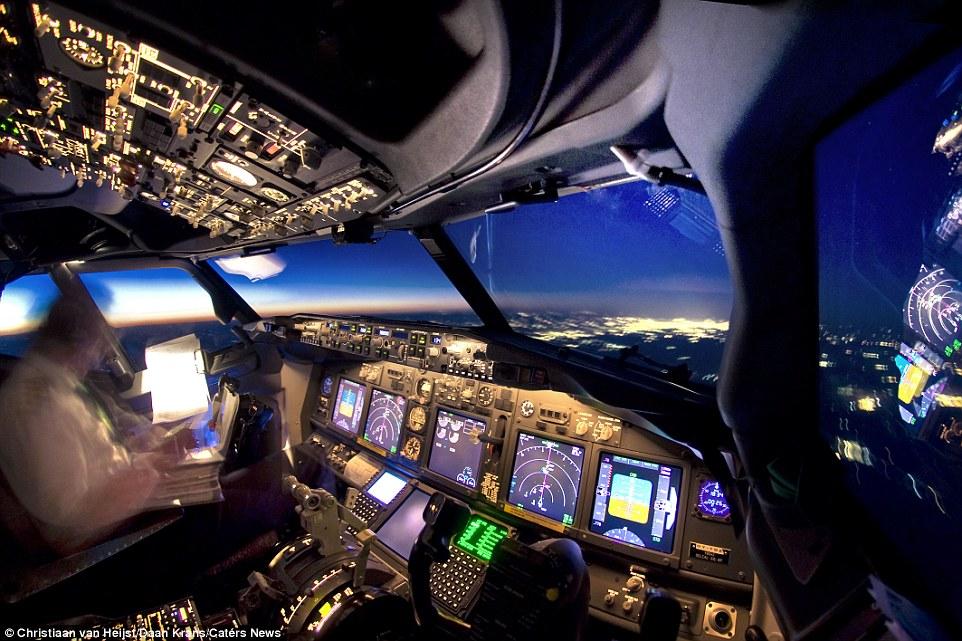 белых фото земли из кабины самолета можно