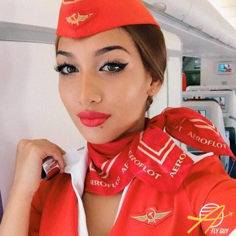 27 самых сексуальных селфи стюардесс со всего мира фото