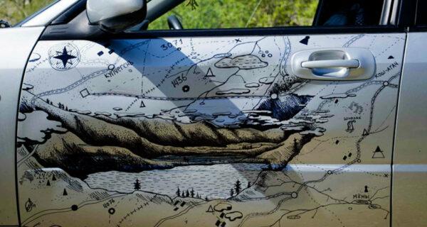 Изобретательный водитель с Алтая починил машину маркером