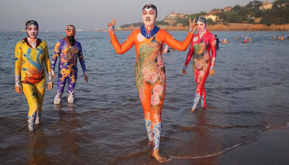 Китайские купальные костюмы фейскини теперь бывают в виде панды, тигра и других животных
