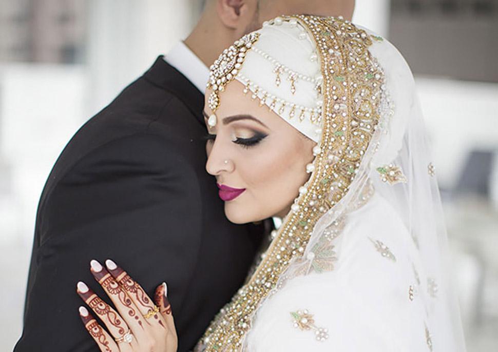Сліпуче красиві нареченої в хіджабах