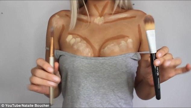 314 - Бьюти-блогер показала, как увеличить грудь с помощью макияжа