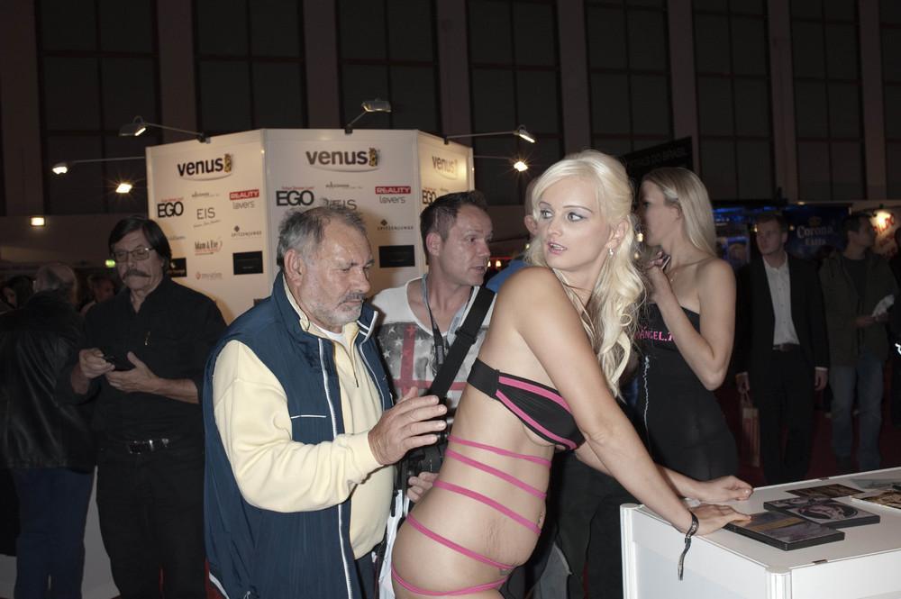 Порно люди германии